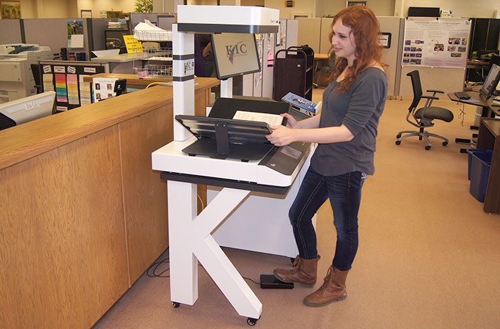 Ally Fink uses the KIC scanner