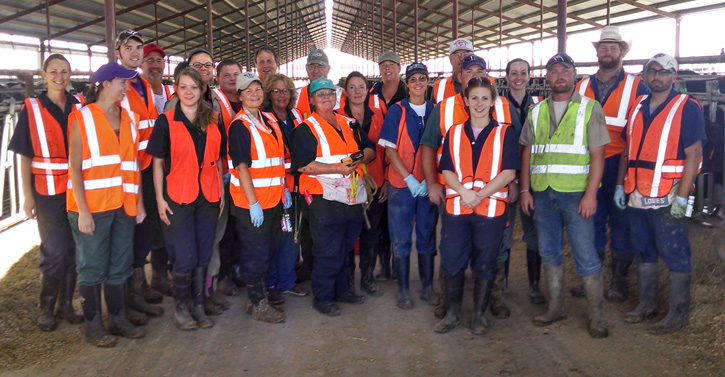 Veterinary students visit dairy in Western Kansas
